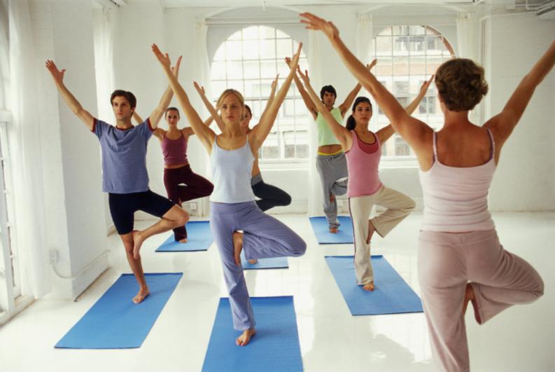 5-ejercicios-de-yoga-para-adelgazar-y-tonificar